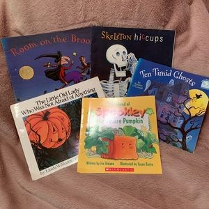 Set of 5 Amazing Halloween Books